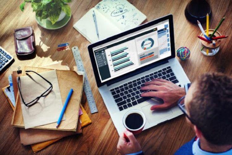 کار کردن با برنامه کاری منعطف برای کارمندان چه معنایی دارد؟